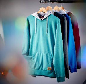 Lexi&Bö, das Kölner Streetwear Label für Scuba Diver, präsentiert seine neue Hoodie-Kollektion. Bild: Lexi&Bö